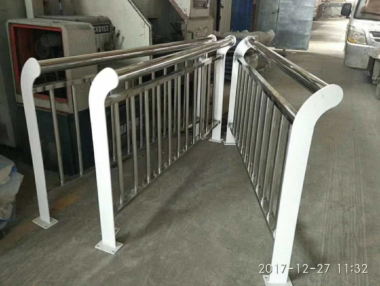 白城洮南不锈钢复合管护栏介绍