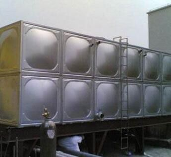 江苏苏州常熟不锈钢水箱
