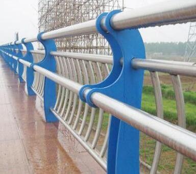 黑龙江省双鸭山市饶河县不锈钢复合管隔离栏杆