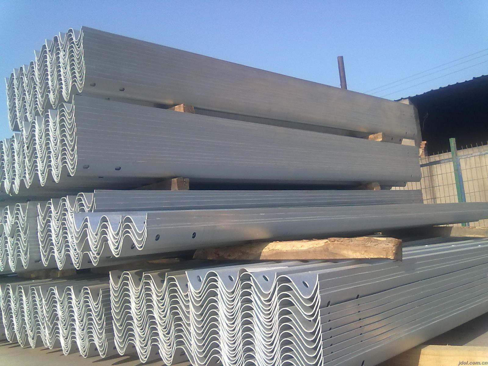 廣西壯族桂林七星熱鍍鋅噴塑護欄板
