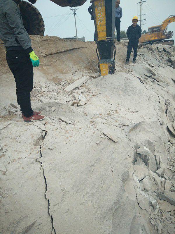 河北秦皇岛昌黎修建道路挖石头胀石机