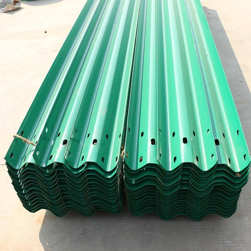 忻州公路热镀锌防撞钢梁护栏安装外观样式多种可选