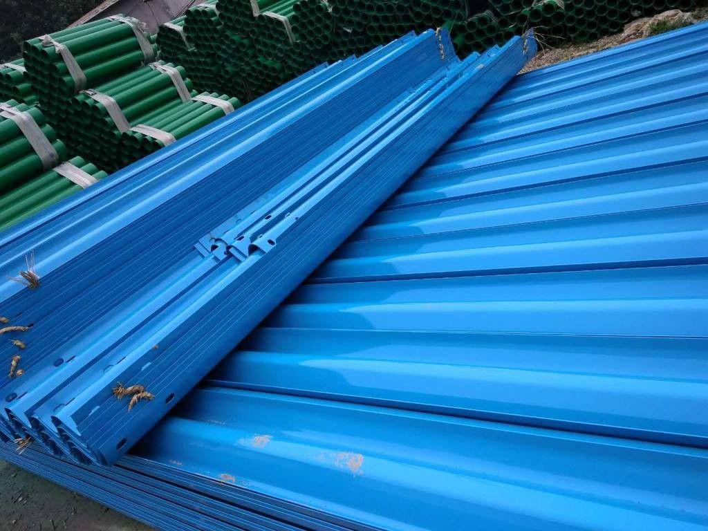 乌鲁木齐喷塑波形护栏板支持定制