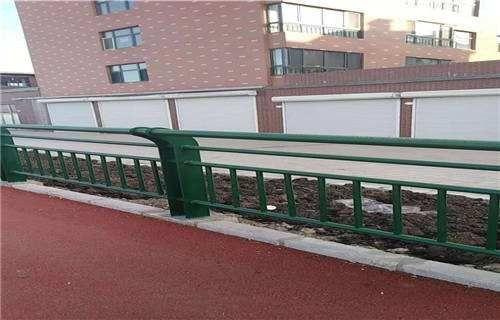 台湾钢复合管栏杆定尺加工
