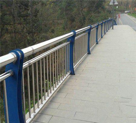 河北唐山乐亭不锈钢复合管立柱价格低