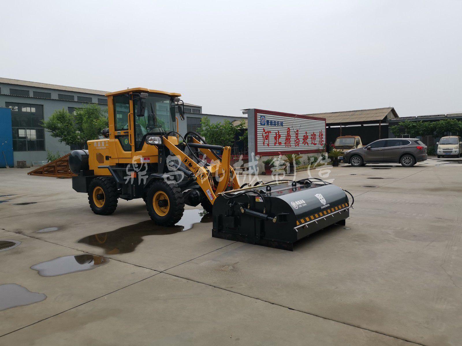 湖北随州装载机改装清扫车要重视品牌知名度