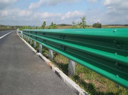 铁岭桥梁三波护栏板工作课程