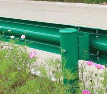 乌兰察布波形护栏板配件厂家产品范围