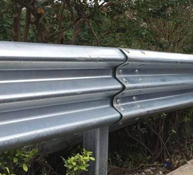 石河子高速护栏板批发商