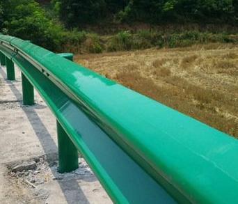 呼伦贝尔陈巴尔虎旗公路护栏板产品的选择和