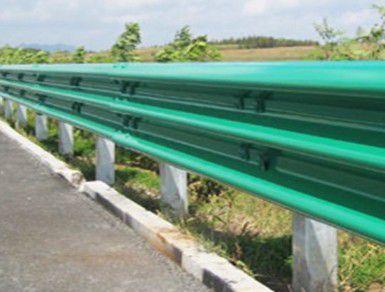 昆明嵩明法兰立柱波形护栏质量指标