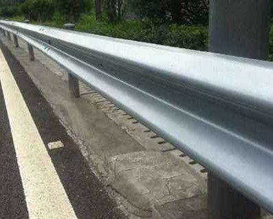 河源源城镀锌护栏板发货速度快