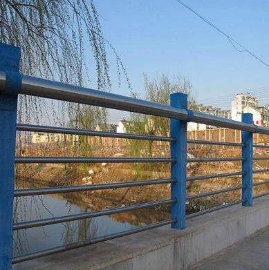 凌源不锈钢人行道护栏 产品使用不可少的常识储备