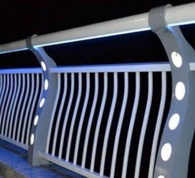 准格尔旗灯光护栏厂家发展新机遇