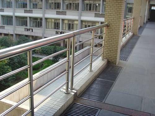 桐乡不锈钢复合管护栏产品的常见用处