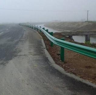 内江波形公路护栏产品品质对比和选择方式