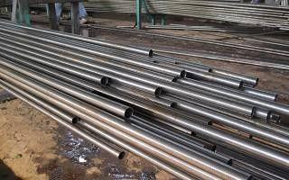 新乐精密钢管厂随时发货