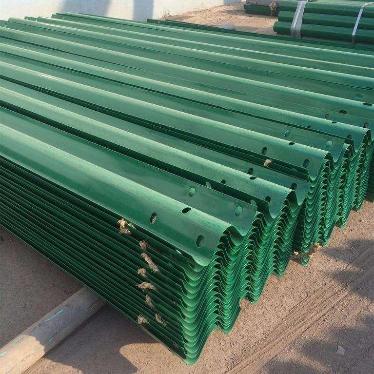 宁夏回族自治区热镀锌喷塑护栏板价格知识