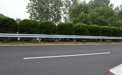 长顺县公路三波形梁钢护栏板